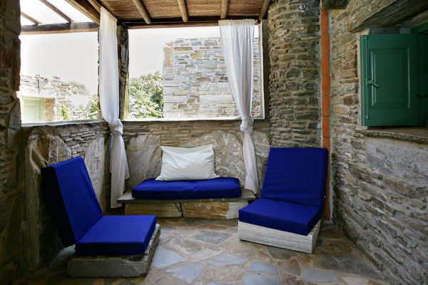 Independent covered veranda for #relaxation in the Green House of #Tinos Habitart http://www.tinos-habitart.gr/green-house.php