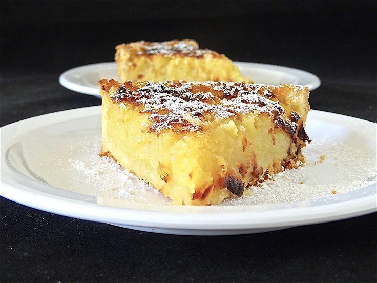 Un coup de dent ... Trois goûts dedans ! Pomme, vanille et citron ! Une tarte fondante, des saveurs qui s'harmonisent ... C'est une petite merveille gustative, une gourmandise à laquelle il faut vraiment goûter ... RECETTE pour un cercle ou un moule de...