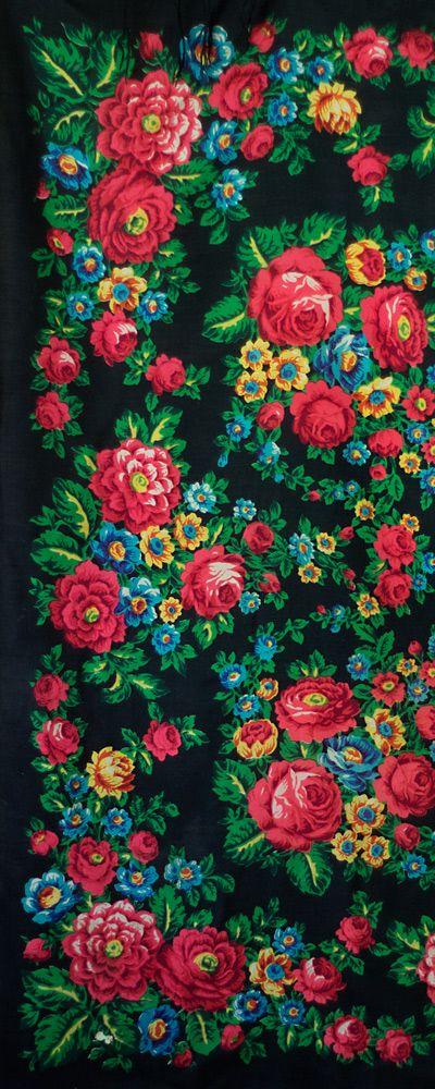 black Russian shawl with roses, piano shawl, bohemian shawl, large shawl, wool…