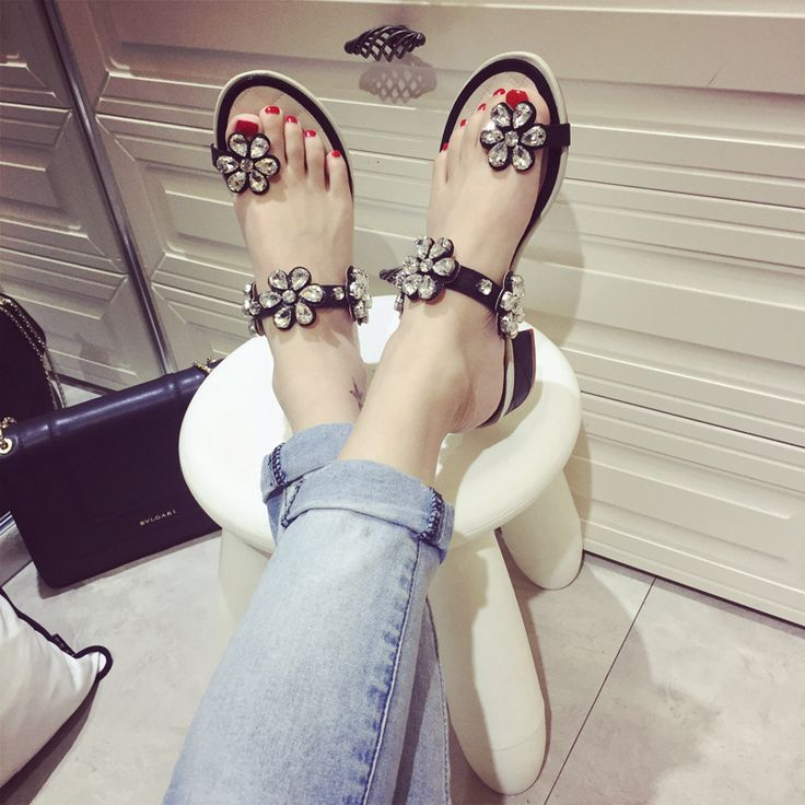 Bright Rhinestones Sandals Women 2016 New Summer Flowers Korean Elegant All-Match Toe Sandals Size 35-39 Shoes Woman