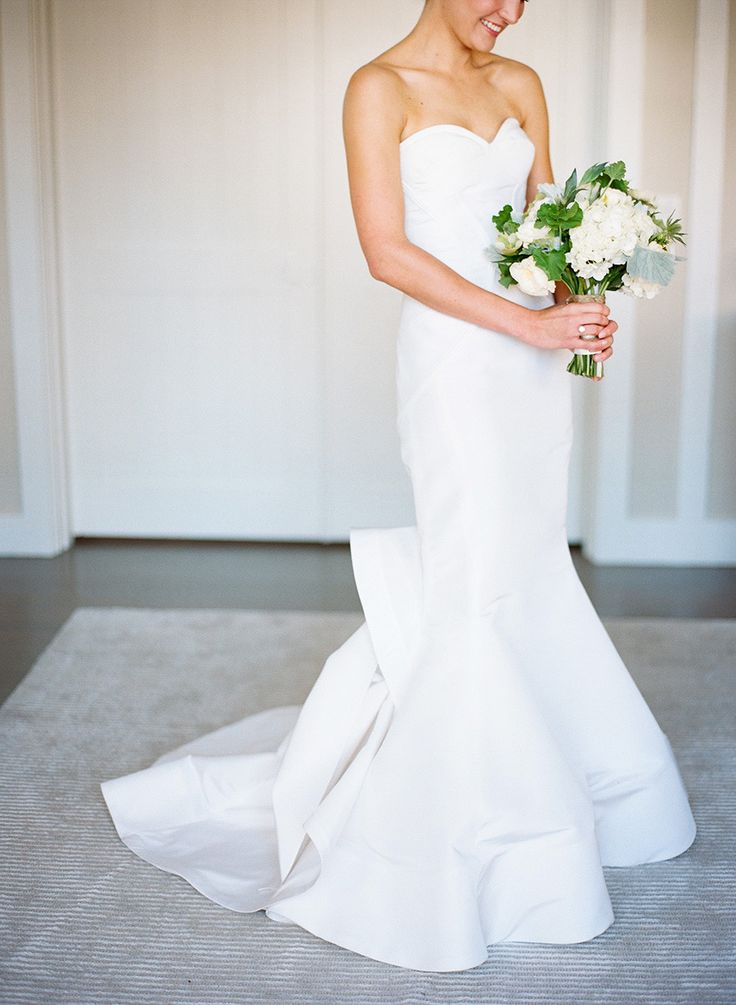 Oscar De La Renta | Photography: Clayton Austin - loveisabird.com  Read More: http://www.stylemepretty.com/2015/05/07/rustic-elegant-nantucket-spring-wedding/