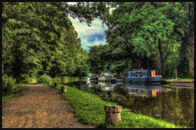 Peace and quiet at the canal #Woking