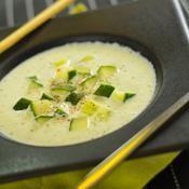 Soupe froide de concombre au crabe - une recette Express - Cuisine