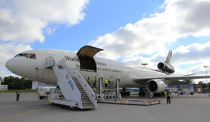 MD-11 na płycie postojowej. Fot. Dariusz Kłosiński