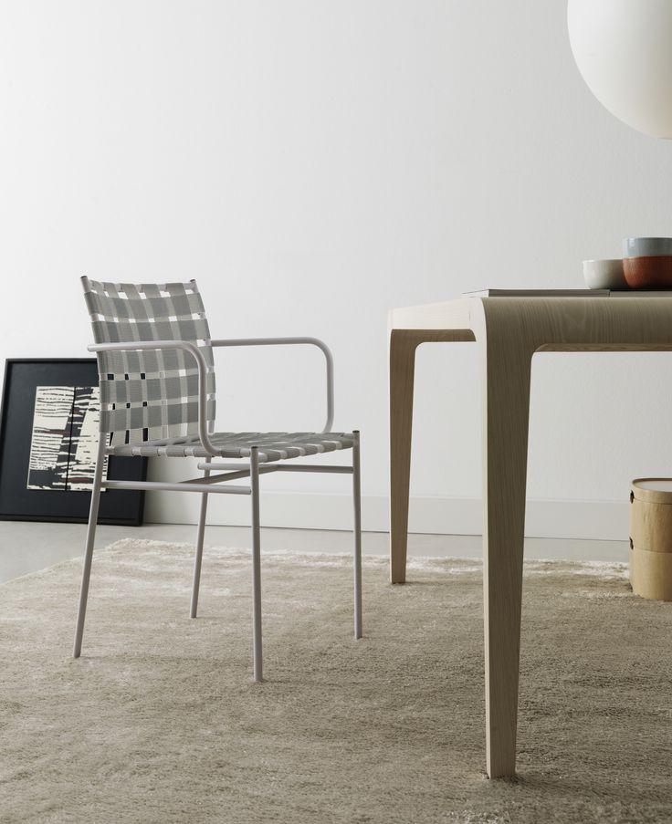 tagliatelle #chair by Jasper Morrison with ilvolo #table by Riccardo Blumer  #design #interiordesign #homedesign #designfurniture #furniture #livingroom