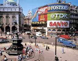 Piccadilly Circus, London http://thesaltybloom.blogspot.it
