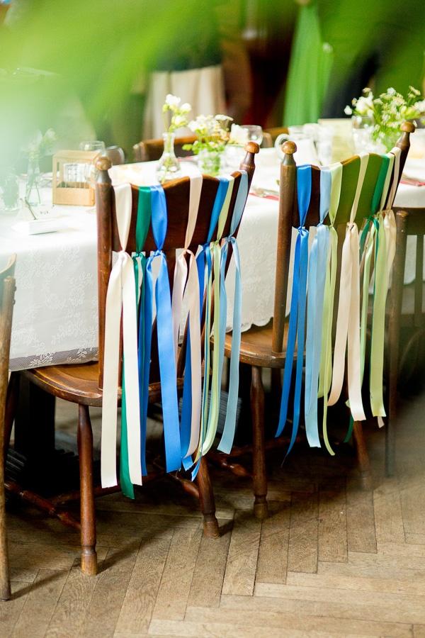 versiering stoelen Mon et Mine Bruidsfotografie top 2012 | Bruidsfotografie Mon et Mine