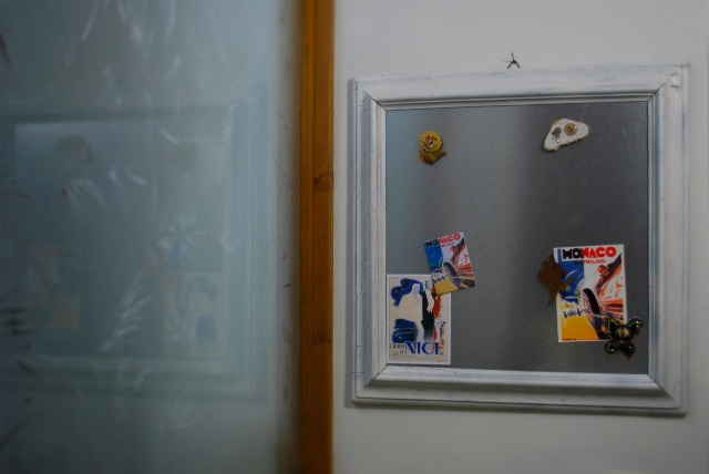 Framed Magnetic Board. ©seaseight blog http://seaseight.blogspot.it/2012/09/diy-framed-magnetic-board.html