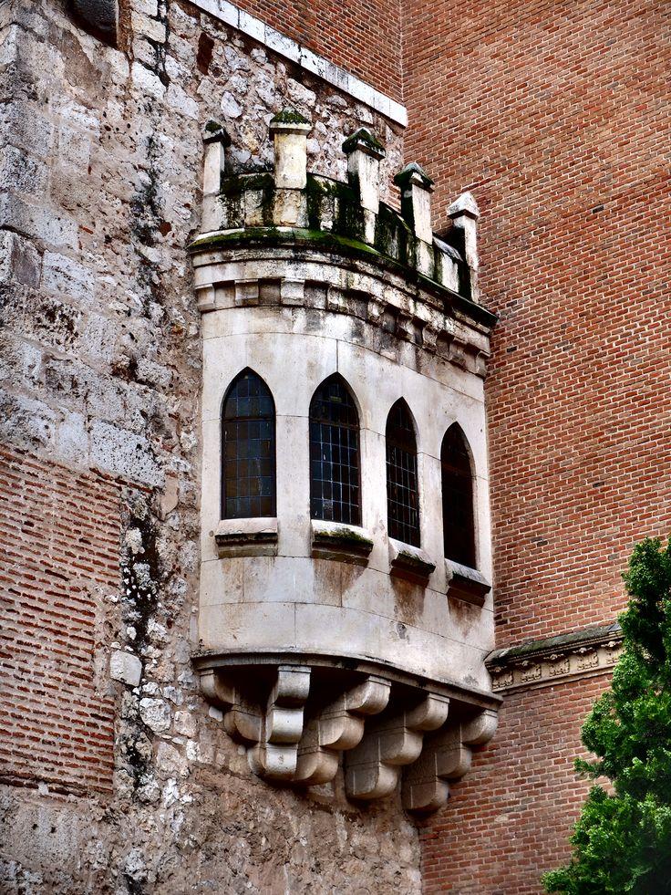 Palacio arzobispal. balcón.