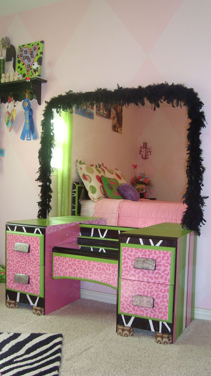 Tween teen girl bedroom with pink  lime green  black  white  and. 28 best Desk Decor   Ideas images on Pinterest