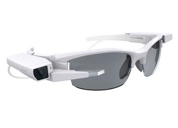 Da Sony a Odg, da Epson a Vuzik: al Ces di Las Vegas si mettono in mostra gli occhiali per la realtà aumentata rivali dei Google Glass. Tra questi ci saranno gli Smart Eyeglass Attach! di Sony, una nuova proposta di Vuzik e il debutto nel mercato consumer del californiano Osterhout Design Group (Odg), finora specializzato in occhialini per il settore militare.