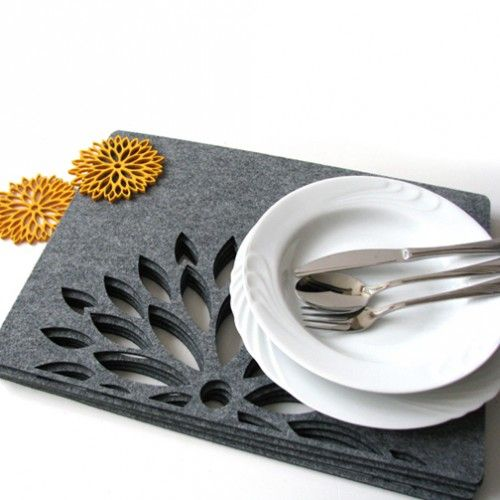 Podkładki astry pod talerz z filcu (połówki) 4szt. - Podkładki - Dekoracje wnętrz