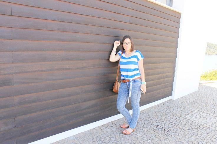 Outfit en amieira marina (Portugal) casual, camiseta de rayas con jeans vaqueros y chanclas lazo rosa, blogger, fashion, look, fashion blogger