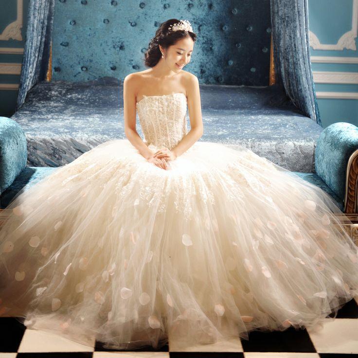 Sweet princess wedding dress! http://www.alsotao.com/product/16546790613/taobao?sell=21