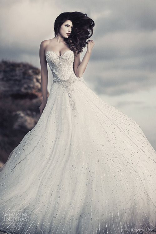 I soooooooooo don't have the breasts for that dress, still gorgeous though ;)