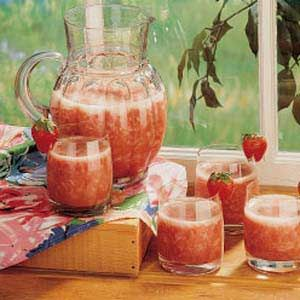 Rhubarb Slush ~ It's a family tradition to have this slush at our ...