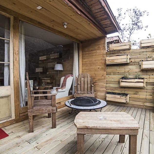 Todas nuestras cabañas cuentan con terrazas, las que incluyen un fogón que cuenta con parrilla para asados.