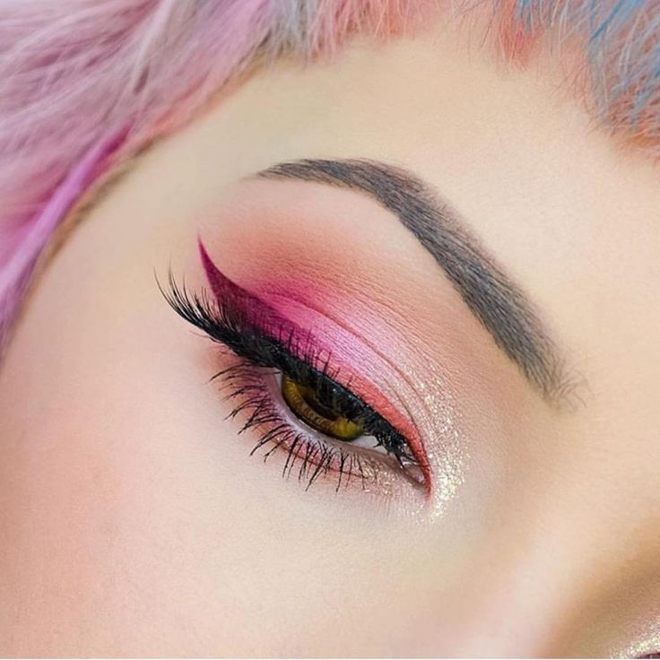"Violet Voss®, LLC Cosmetics Co on Instagram: ""@ahitsrosa is wearing our #holygrailpalette and Vamptress lashes"""