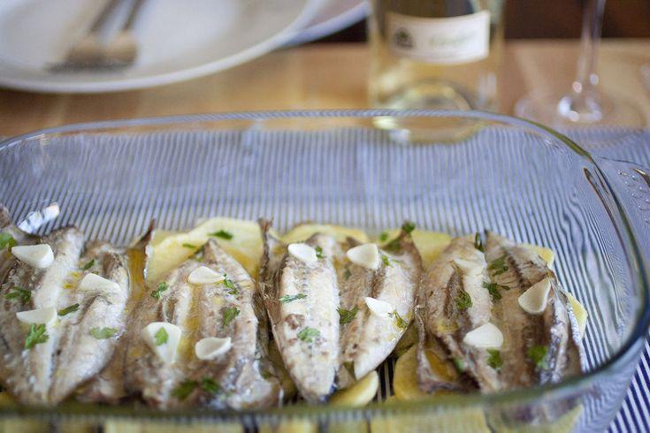 Melva al horno con patatas y vino blanco