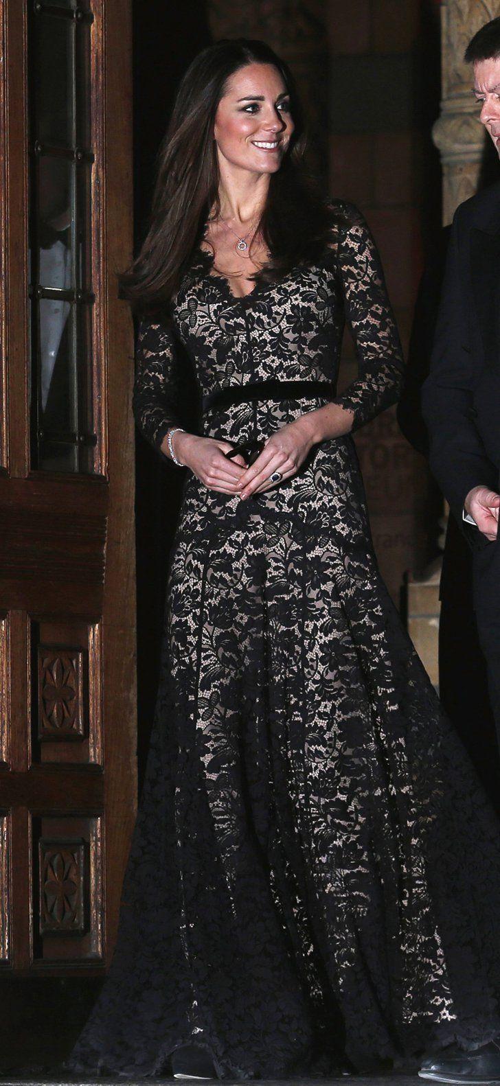 Pin for Later: Les Robes les Plus Glamour Portées Par Kate Middleton  Portant une tenue signée Temperley au musée d'Histoire Naturelle en Décembre 2013.