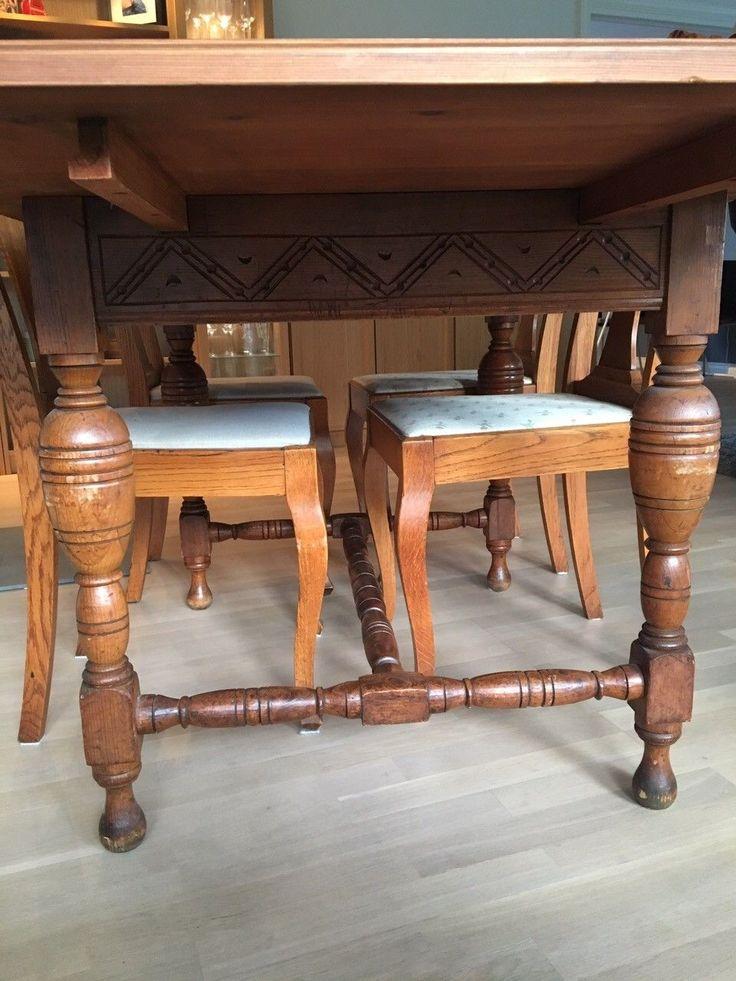 (2) FINN – Antikk spisestue med bord, stoler og skap