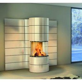 De #Spartherm Magic biedt u een panoramisch zich op het vuur van maar liefst 270˚. De Spartherm Magic is gemakkelijk met hout te vullen door de verbrandingskamer 180˚ te draaien en is zelfs tegen meerprijs elektronisch te draaien. De Spartherm Magic kan zowel aan de wand gemonteerd worden of vrijstaand worden geplaatst. #Fireplace #Fireplaces #Houthaard #houtkachel