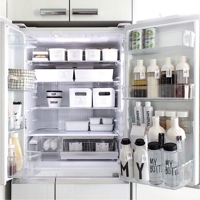 sh.atyouさんの、キッチン収納,ig→sh.atyou,ブログやってます♡,冷蔵庫,冷蔵庫収納,冷蔵庫の中,冷蔵庫収納見直し,収納,収納見直し,整理整頓,整理収納,整理,片付け,IKEA,ニトリ,無印良品,保存容器,収納ケース,DESIGN LETTERS,フィルターインボトル,クッキングボトル,ドレッシングボトル,ドリンクボトル,シンプルライフ,シンプル収納,パナソニック冷蔵庫,Floyd,フロイド,キッチン,のお部屋写真