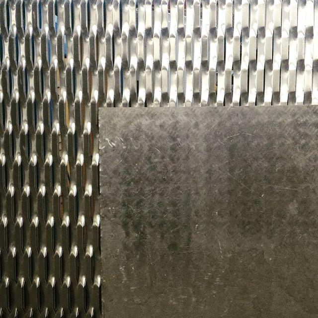 Acciaio. #texture #steel #shadow #studioemmascolari #emmascolari #cantiere #labellezzanascosta