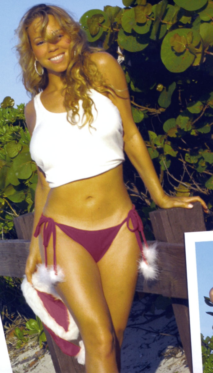 "Mariah's ""Baywatch"" audition didn't work out. With her big-titted, sexy-tummied, killer curvy body I don't know why! ♥♥♥♥"