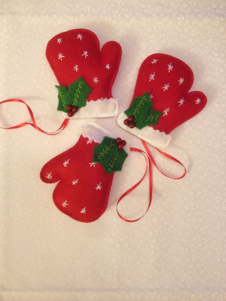 Christmas ornaments - red gloves