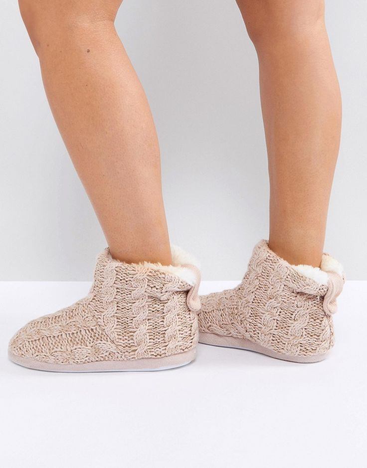 NEW LOOK KNITTED SLIPPER BOOT WITH POM - PINK. #newlook #shoes #
