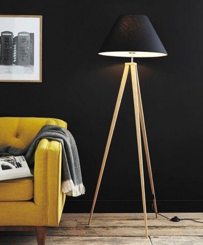 Elegantní stojací lampa příjemně prosvětlí každou místnost. Skvěle se hodí na vyplnění prázdného rohu a k celkovému doladění interiéru. Tato lampa je ta...