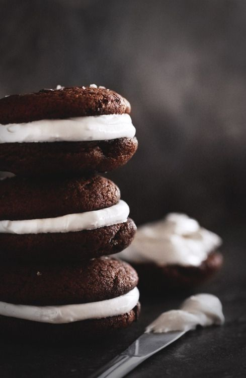Double Chocolate Whoopie Pies with Homemade Marshmallow Mein Blog ...