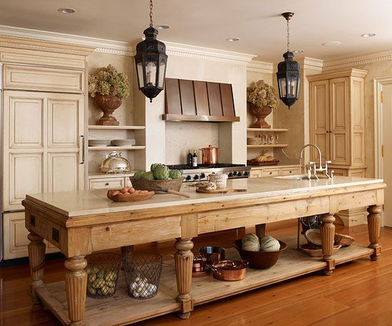 contrasting kitchen islands - Old Farmhouse Decor