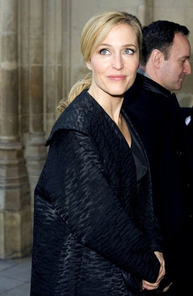 Gillian Anderson Photos - Members of the Royal family celebrate Charles Dickens - Zimbio