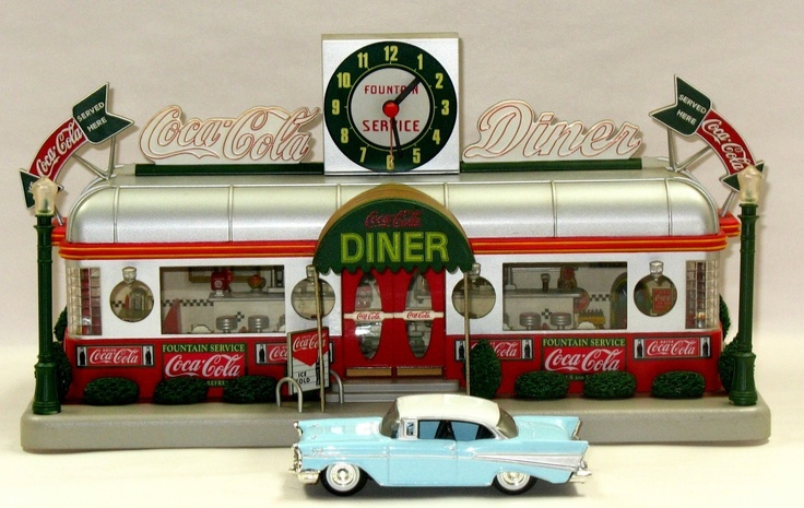 Danbury Mint Coca Cola Diner Lighted Diorama Clock 1 43
