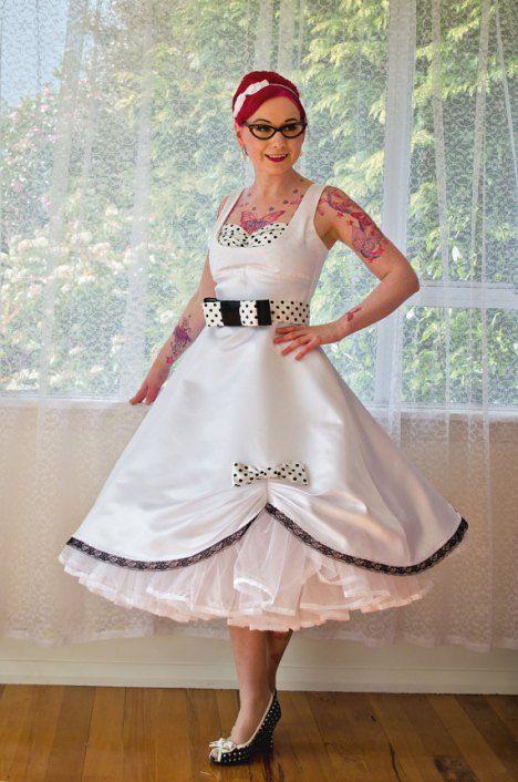Pixie Pocket ist der Geheimtipp für alle zukünftigen Bräute! Wer auf der Suche nach einem Rockabilly Hochzeitskleid ist, der sollte unbedingt bei dem kleinen aber feinen Rockabilly Shop vorbeischauen.