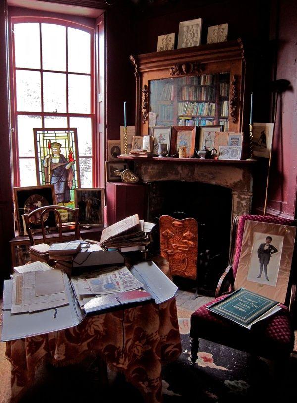 Rodney Archers Artfully Shambolic House In Fournier Street East London Georgian InteriorsBohemian