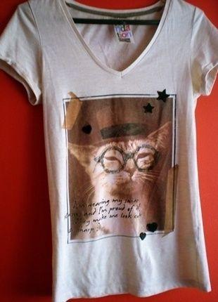 Kup mój przedmiot na #vintedpl http://www.vinted.pl/damska-odziez/koszulki-z-krotkim-rekawem-t-shirty/12661877-koszulka-tshirt-z-kotem-xs-s-dopasowana-bluzka