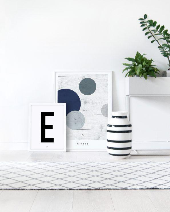 Big & Bold E #typography #typographyposter #letterposter #minimalistisk #minimalisticposter #cleanposter #enkontrast #enkontrastposter #plantbox #fermliving #kähler #kählerdesign #kähleromaggio #omaggio