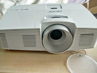 Acer H5380bd 169 Wxga 720p Hd Ready Projector  3x 3d Glasses, Used Projector For Sale in Kilmainham, Dublin, Ireland for 399.00 euros on Adverts.ie.
