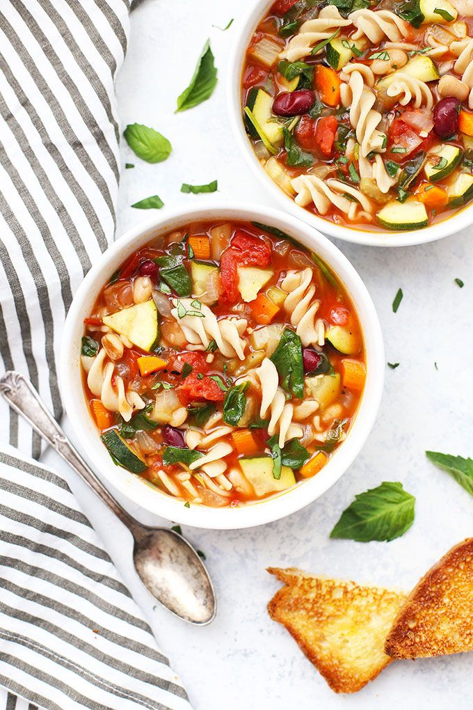 Classic Vegetable Minestrone Soup Recipe Minestrone Soup Dinner Soup Recipes Vegetarian Soup