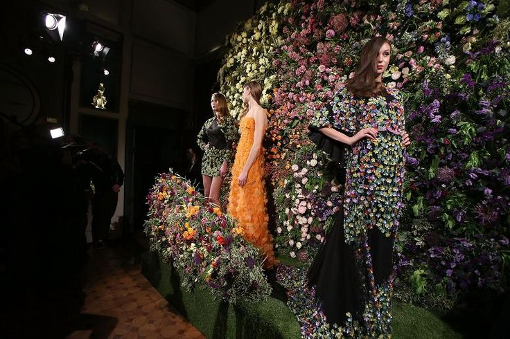 """MFW: People and Fashion @ Meissen Couture """"Among the Wild Flowers"""""""