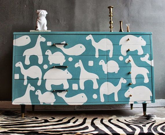 Vintage Painted Baby Nursery Dresser van ShabbyMaggie op Etsy