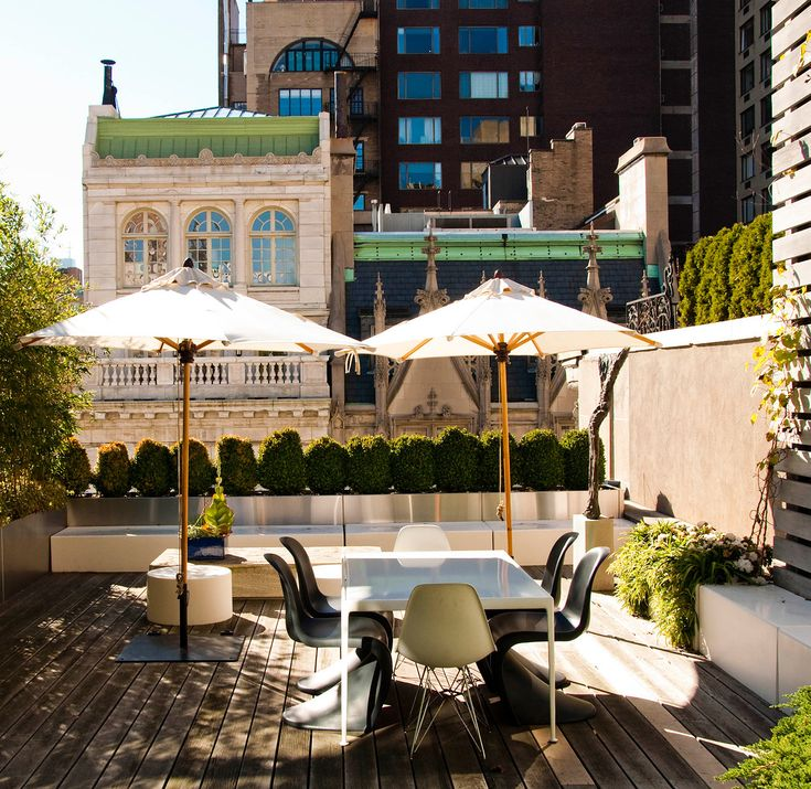 Charming Stunning Rooftop Patio