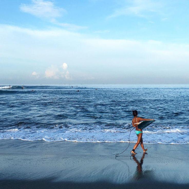Surfing at Canggu!! The waves were packed but still fun!  #canggu #batubolong #surfbali #surferchick #balisurf #balisurfing #baliwaves #balitrip #travelgram #ilovebali #baliphoto #welikebali #baliculture #adventuretime #visitbali #followmetoo #wheninbali #balilocal #balifornia #mybudgettravel #wanderlustagain #instabali #bali #balifix #balifixblog