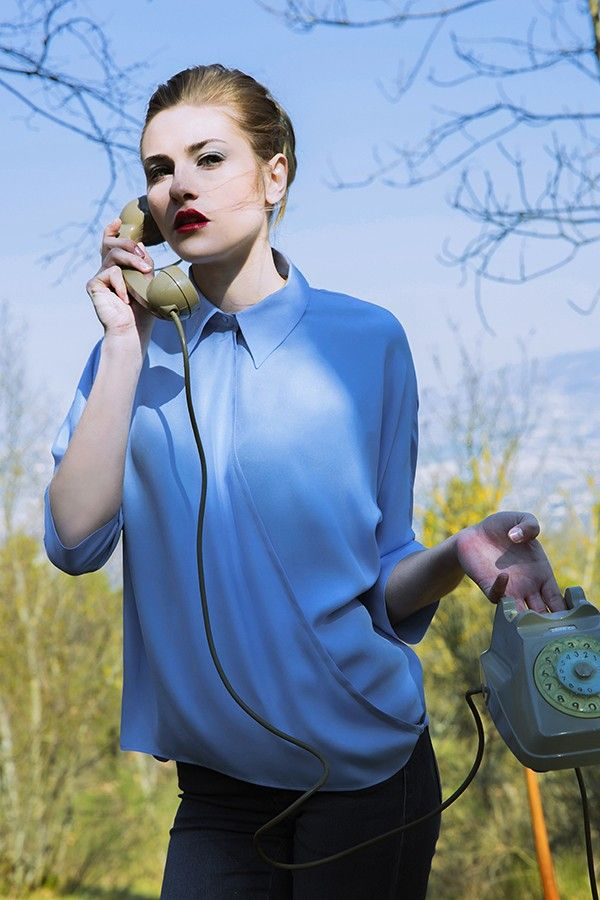 Mia Satin - LeiMe Mia is silk satin shirt with batwing sleeve and showy pointed collar.   #fashion #silk #italiansilk #leimesetaitaliana
