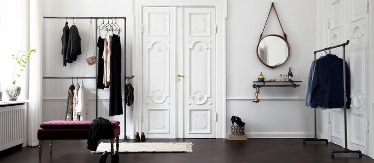 """Hos RackBuddy finder du det nyeste design indenfor moderne boligindretning af soveværelse, entré og garderobe mm. Inspiration fra den rå """"New Yorker lejlighed"""""""