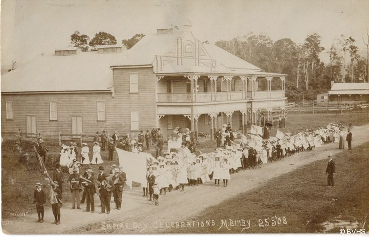 Empire Day celebrations in Mullumbimby, circa1908 http://www.byronbaylighthouse.com/history.html