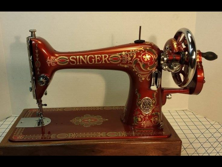 1946 Singer 66 Red Eye hand crank sewing machine custom painted by Eric Wengstrom